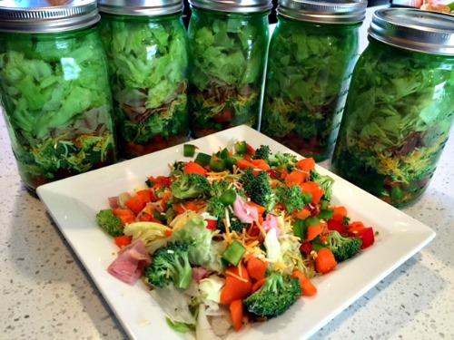 Mason Jar Salads Weve Tried It