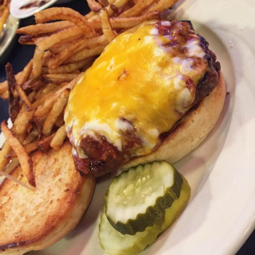 Dick's Burger 2