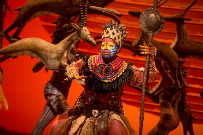 7 Mukelisiwe Goba (Rafiki) 3 ©Disney. Photo by Matthew Murphy_